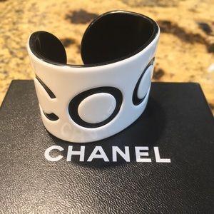 VINTAGE XS Chanel COCO Bracelet Resin Black&White